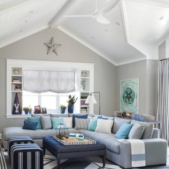 Beach cottage style living room by Pratt & Lambert