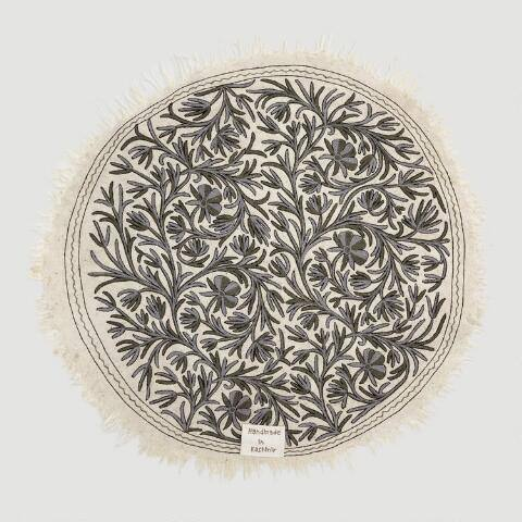 5' Round Gray Kashmir Embroidered Wool Daria Area Rug