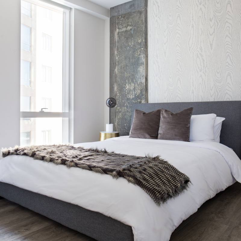 Gray, blue and gold modern bedroom by  Sun Soul Style Interiors
