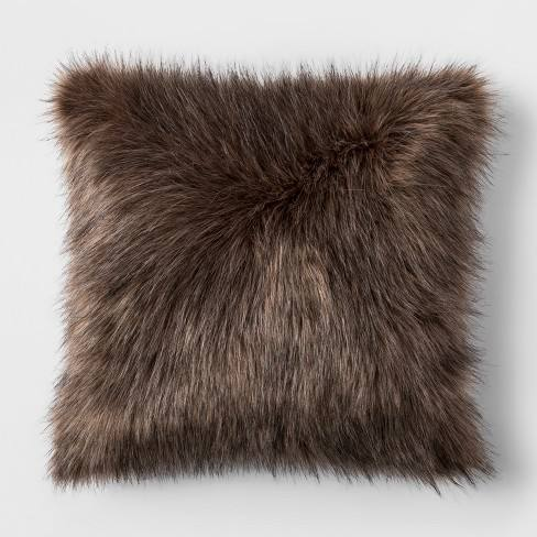 Faux Fur Throw Pillow - Threshold�