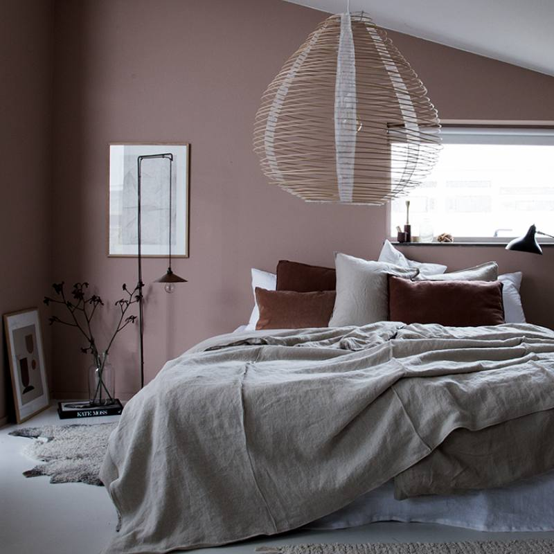 Get the look: Elegant Blush Pink Bedroom