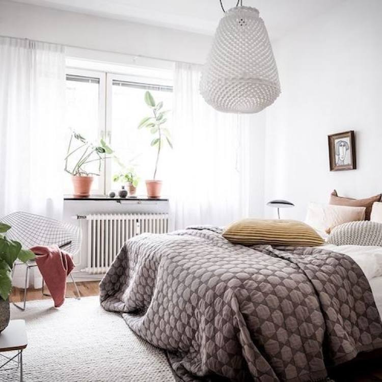Relaxed swedish bedroom