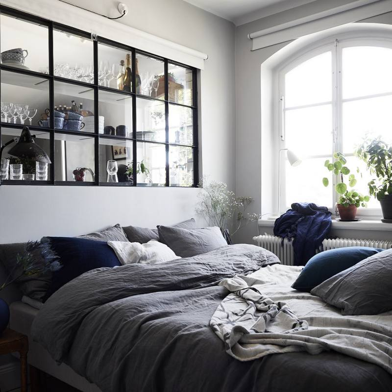 Scandinavian gray simple small bedroom