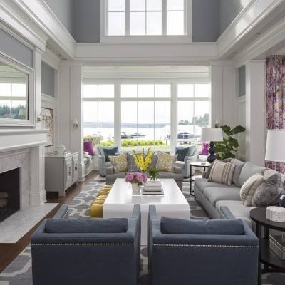 Traditional living room design with pop of color