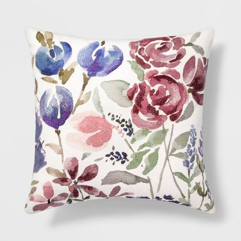 Floral Throw Pillow - Threshold�