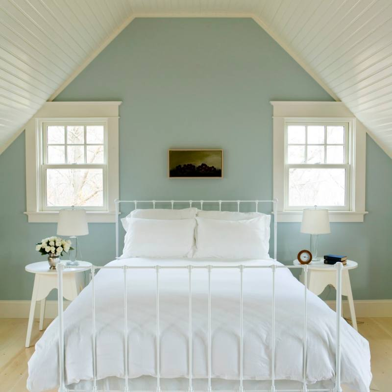 Cute farmhouse style attic bedroom