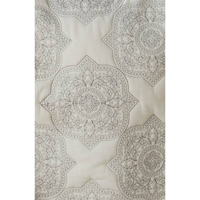 Ria Embroidered Quilt