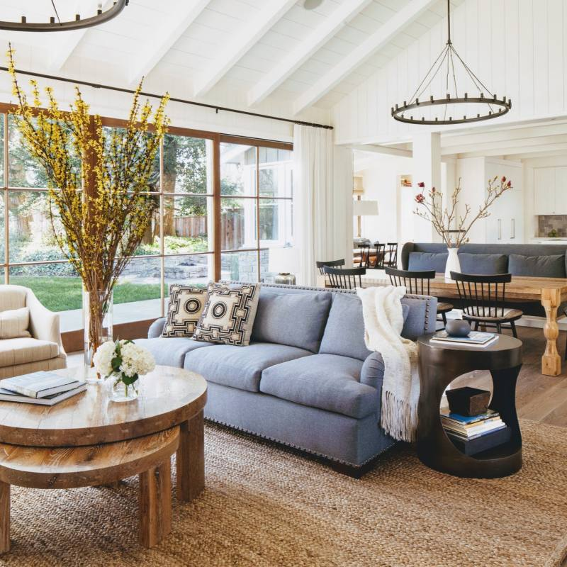 Elegant Rustic country farmhouse living room