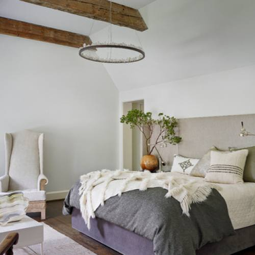 Traditioanl Country Style Bedroom