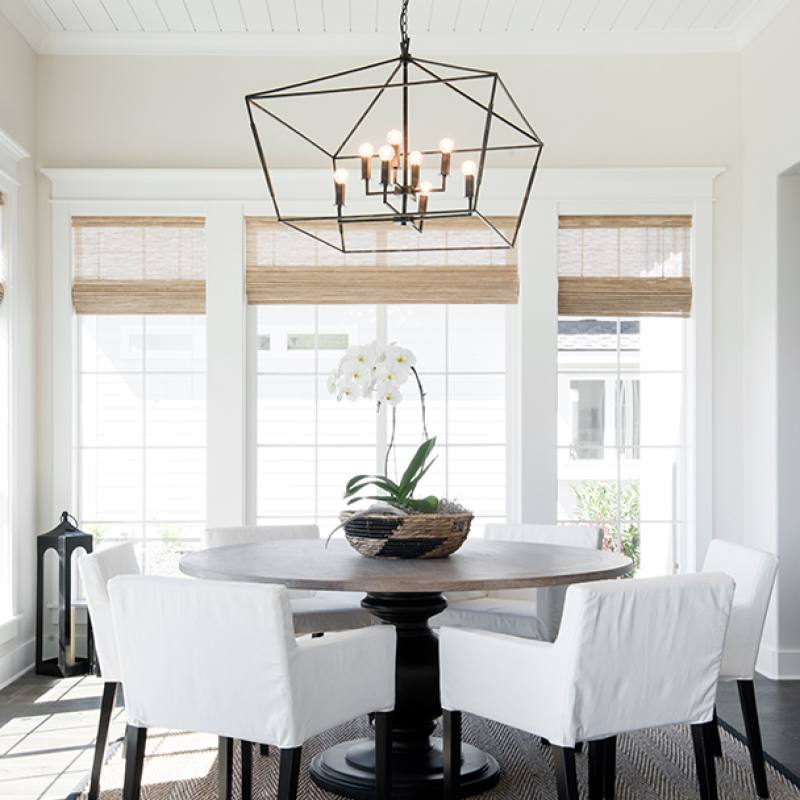 Modern farmhouse dining room by Balis