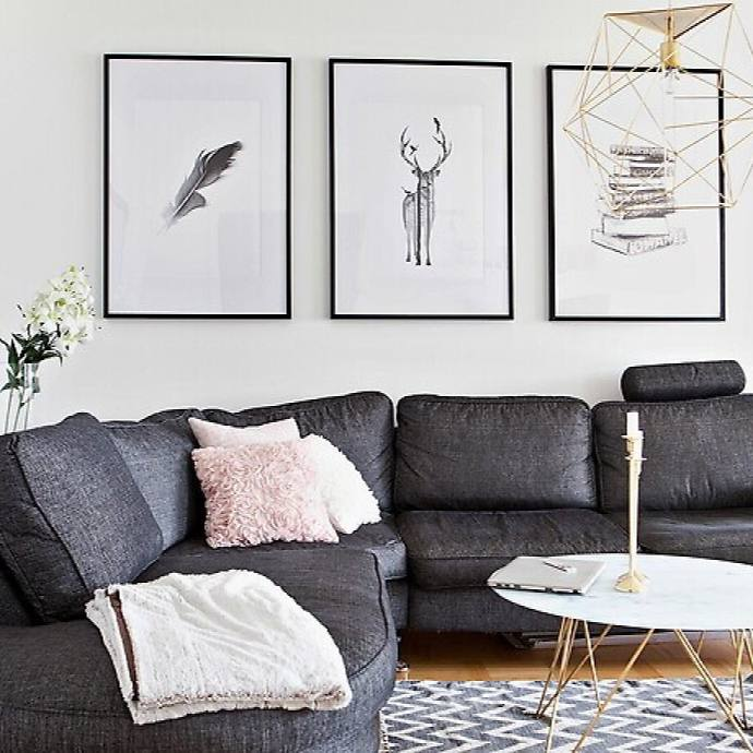 Small scandinavian apartment living room