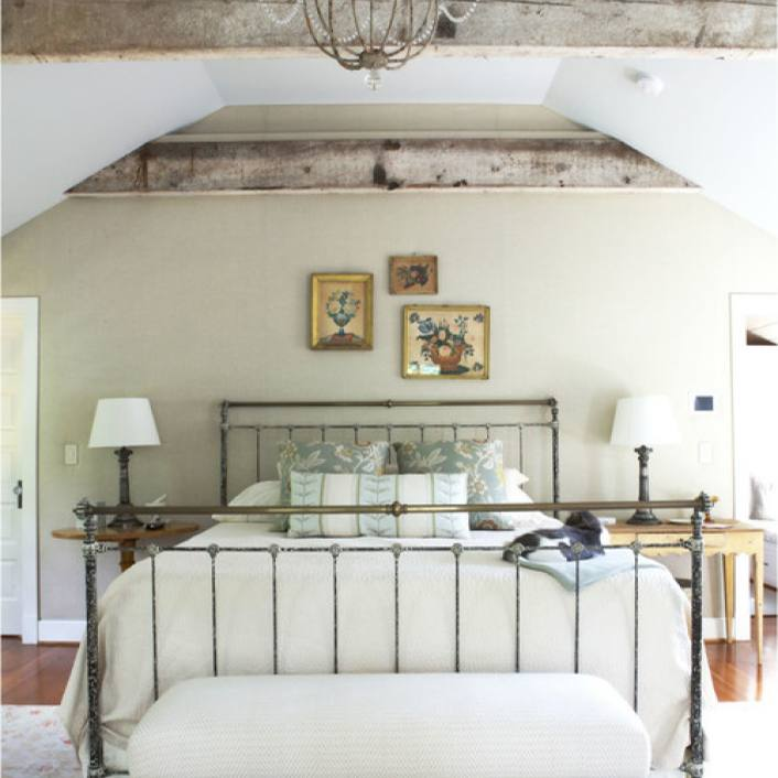 Country farmhouse master suite